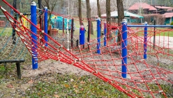 childrens-playground-made-from-rope-34