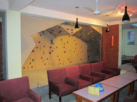 строительство скалодрома для дома