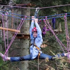 высокий веревочный парк для детей