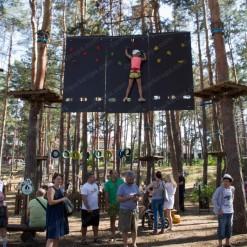 строительство высокого веревочного парка